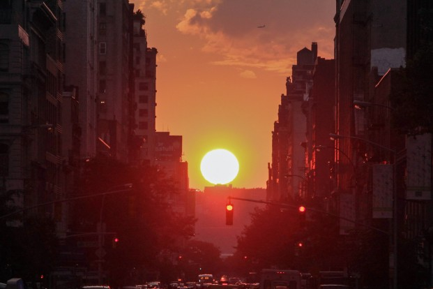 manhattanhenge-oh-boy-send-prudes